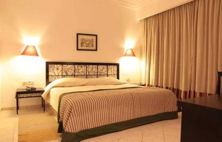 Miramar Petit Palais - Room - 6