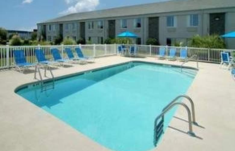 Sleep Inn & Suites Waccamaw Pines - Pool - 4