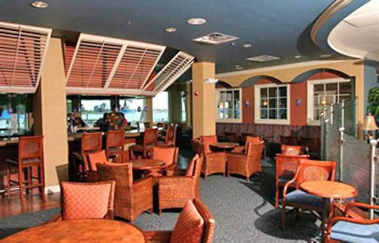 Best Western Sea Wake Beach Resort - Bar - 2