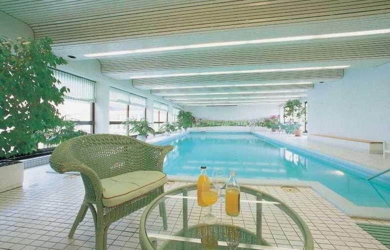 Scandic Park Helsinki - Pool - 12