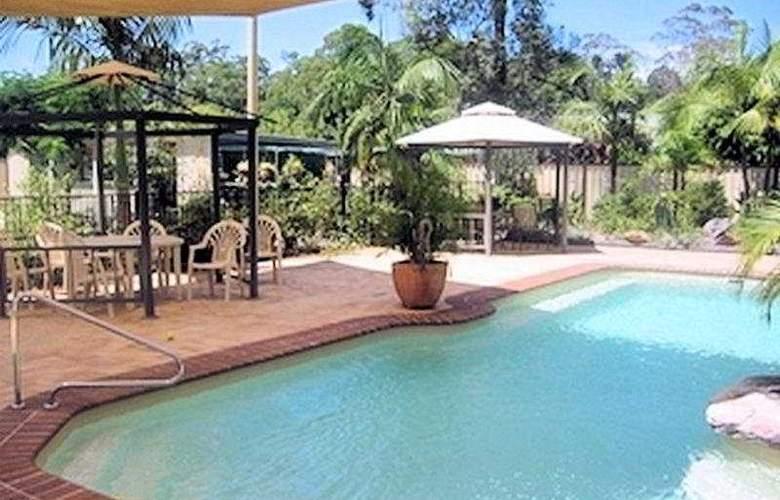 Bonville Lodge Luxury B&B - Pool - 9