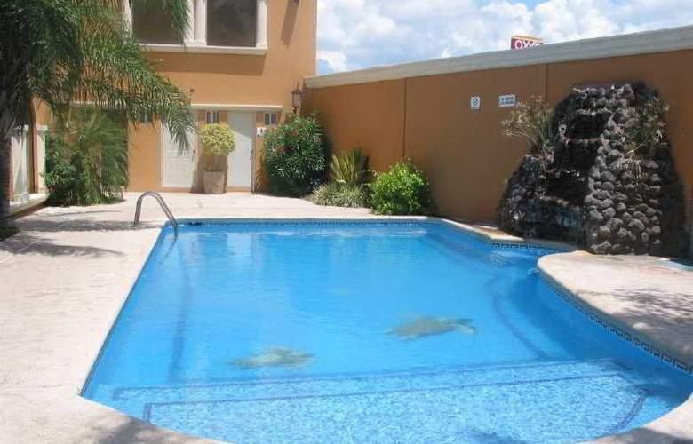 Viva Inn - Pool - 5