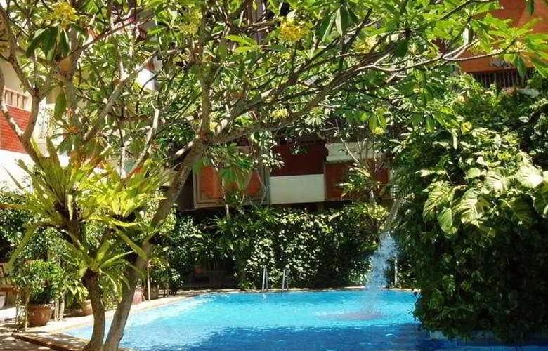 Green Garden - Pool - 1