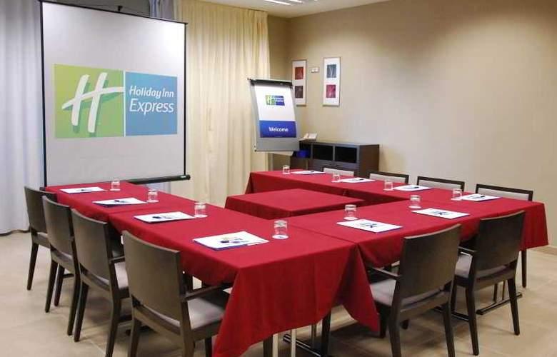 Holiday Inn Express Campo de Gibraltar - Barrios - Conference - 11