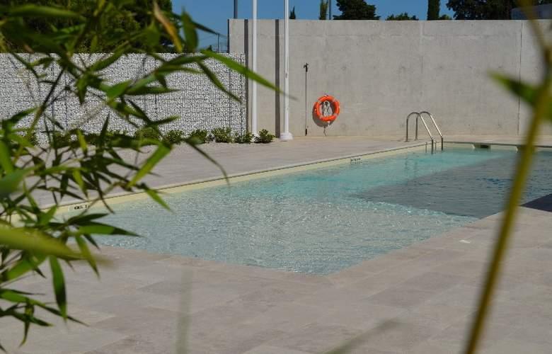 Holiday Inn Express Montpellier Odysseum - Pool - 0