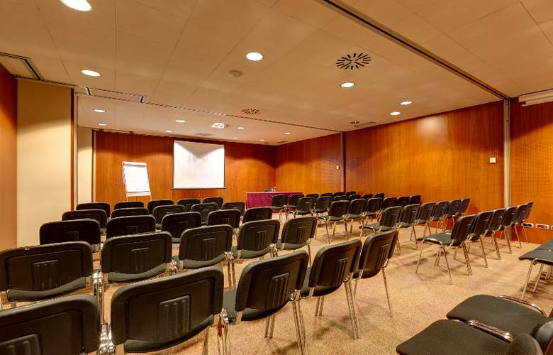 Acevi Villarroel - Conference - 8