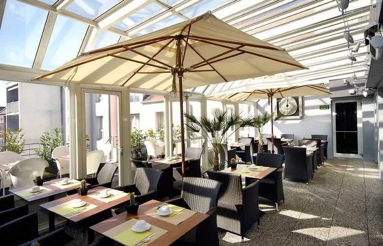 Kyriad Mulhouse Centre - Terrace - 6