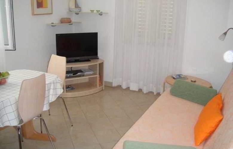 Apartmani Ivana - Room - 4
