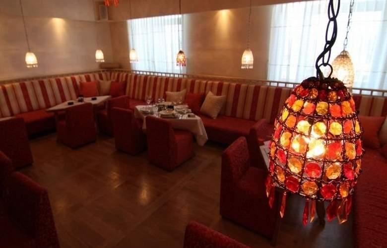 Merona Hotel & Spa - Restaurant - 1