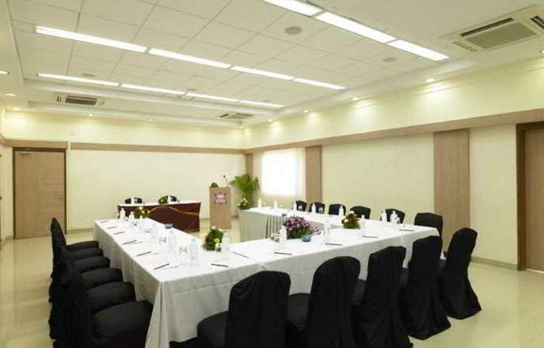 Royal Orchid Beach Resort & Spa - Conference - 6