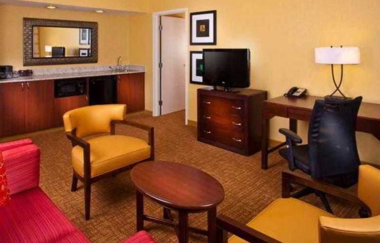 Courtyard Birmingham Colonnade - Hotel - 11