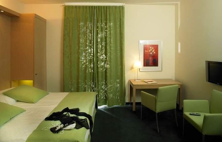Grand Europe - Room - 5