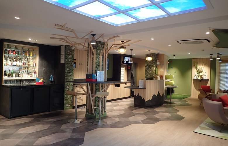 Ibis Styles Annecy Centre Gare - Bar - 3