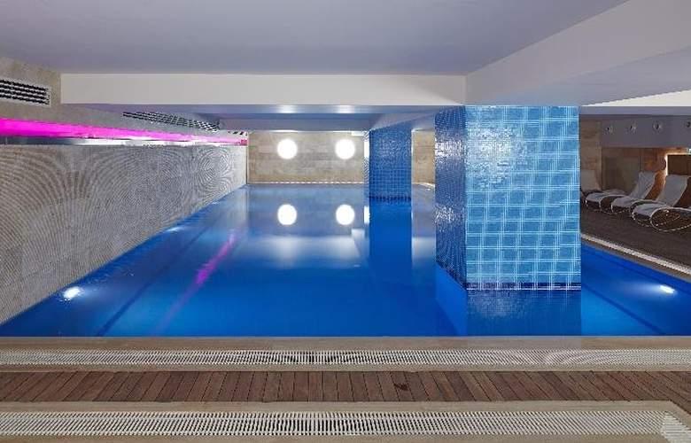 Mercure Istanbul City Bosphorus - Pool - 3