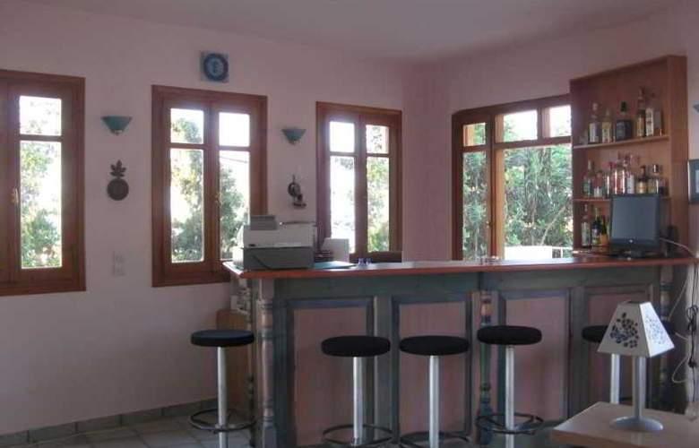 Romantica Hotel Apartments - Bar - 20
