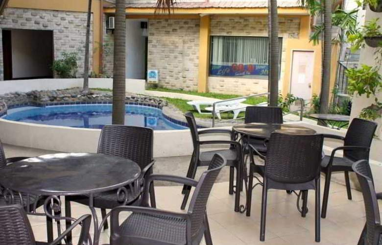 Vacation Hotel Cebu - Pool - 13