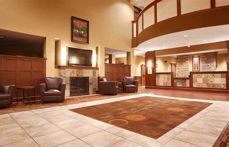 Best Western Plus Grand Island Inn & Suites - Hotel - 41