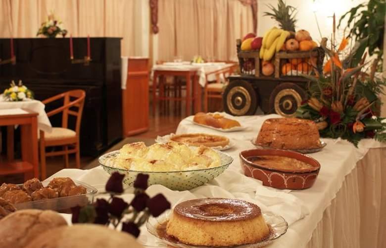 Rainha d'Amélia - Restaurant - 19