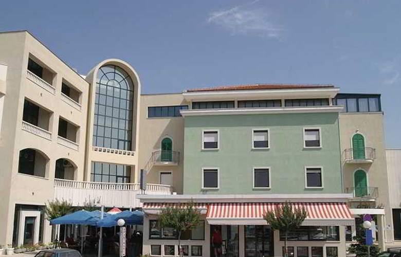 Aparthotel Bellevue - Hotel - 0