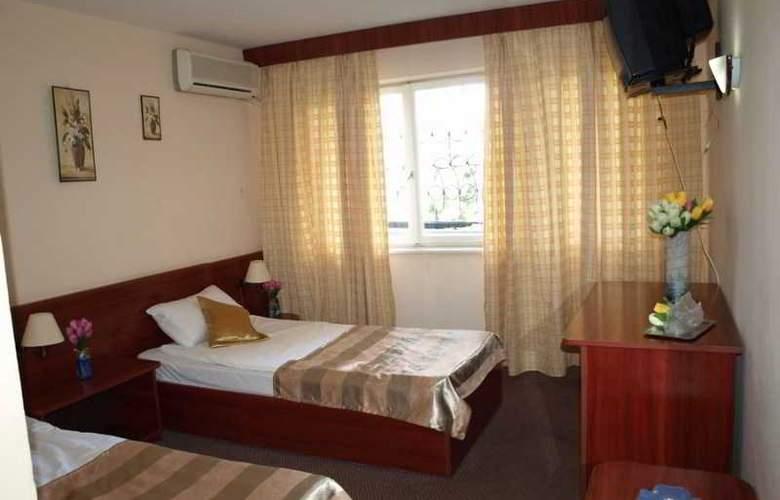 Caraiman Hotel - Room - 8