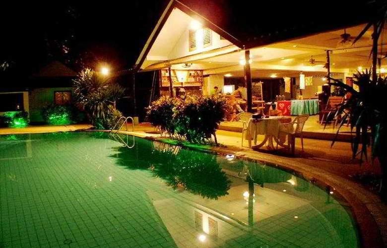 Samui Island Beach Resort and Hotel - Pool - 11