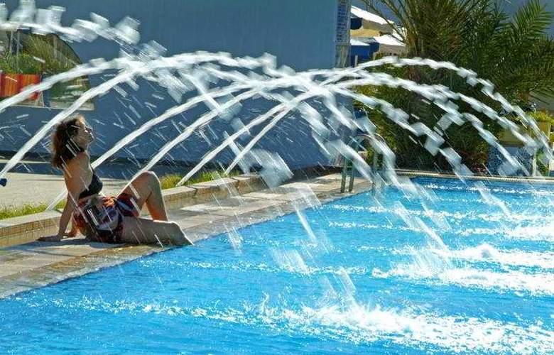 Les Sirenes Thalasso & Spa - Pool - 3