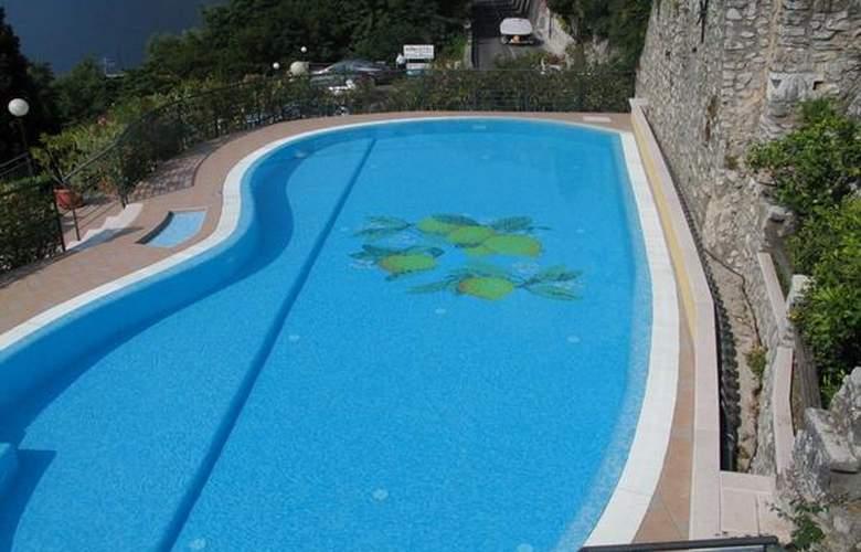 Villa Dirce - Hotel - 3