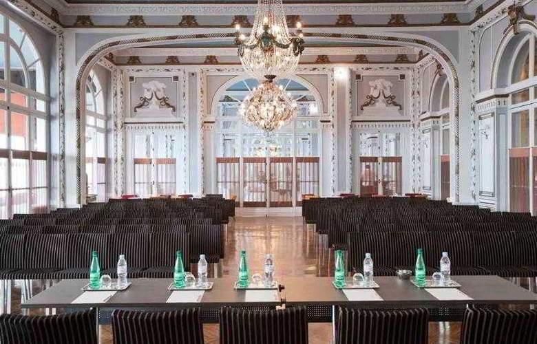Le Grand Hôtel Cabourg - Hotel - 9