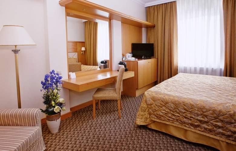 Milan - Room - 3
