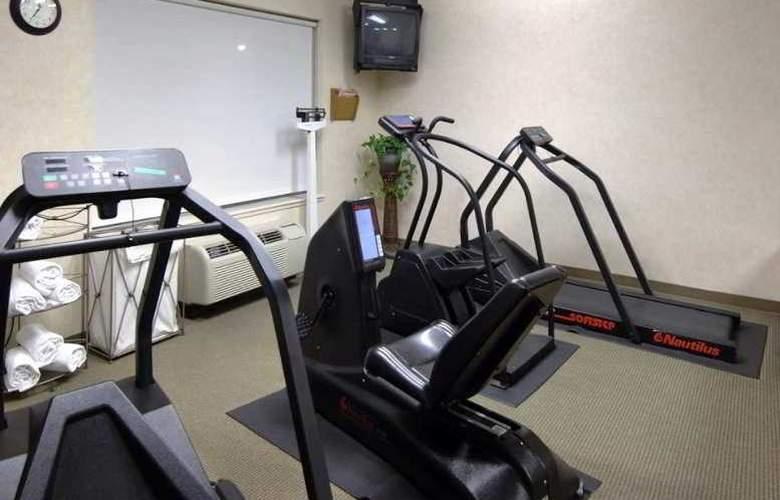 Hilton Garden Inn Roseville - Sport - 6