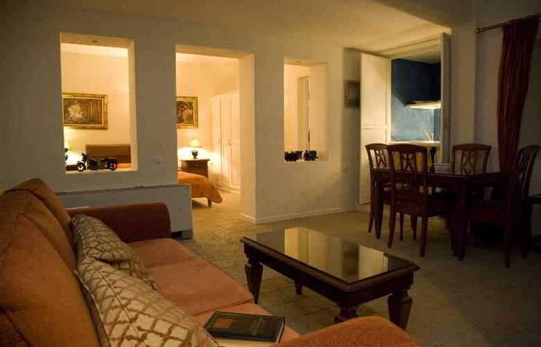 Adamis Majesty Suites - Room - 9