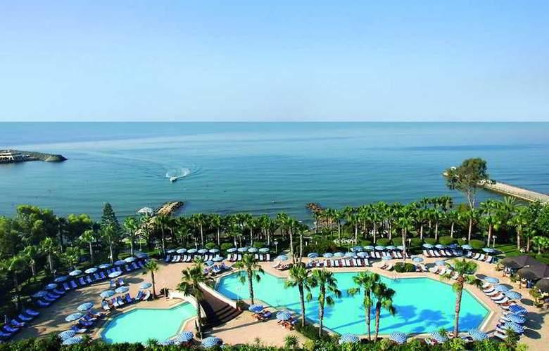 Grand Resort - Pool - 1