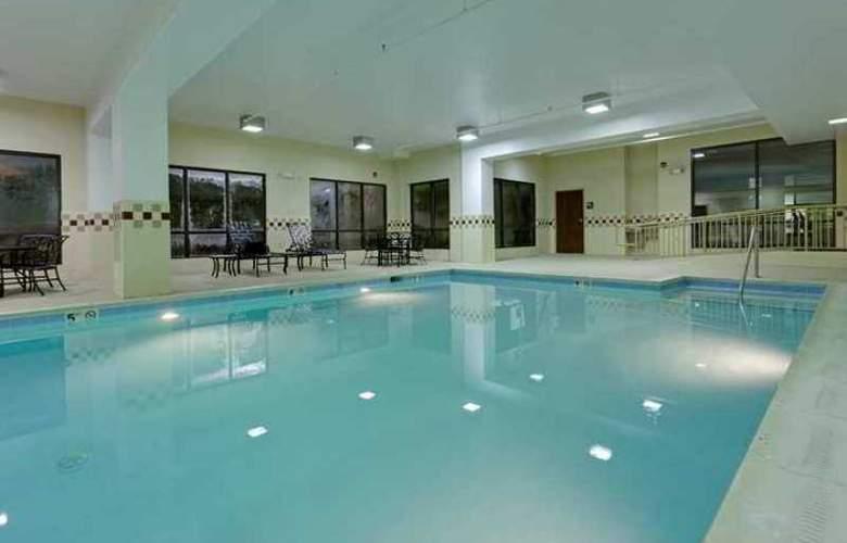 Hampton Inn Waynesboro/Stuarts Draft - Hotel - 1
