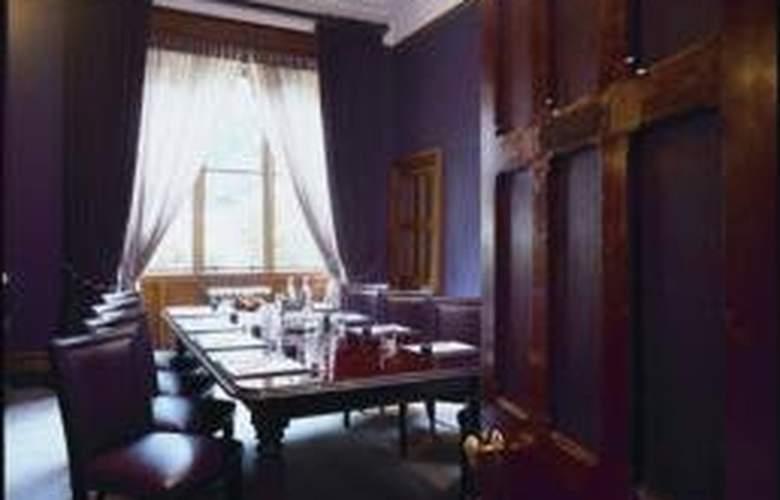 Nutfield Priory Hotel & Spa - Conference - 9