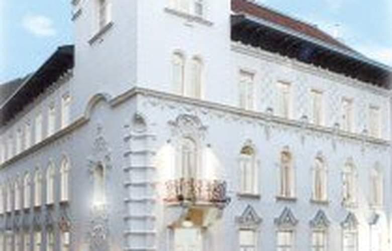 Parlament - Hotel - 0