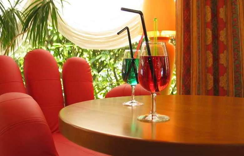 Inter-Hotel Aquilon Saint-Nazaire - Bar - 19