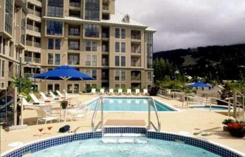 Pan Pacific Whistler Mountainside - Pool - 4