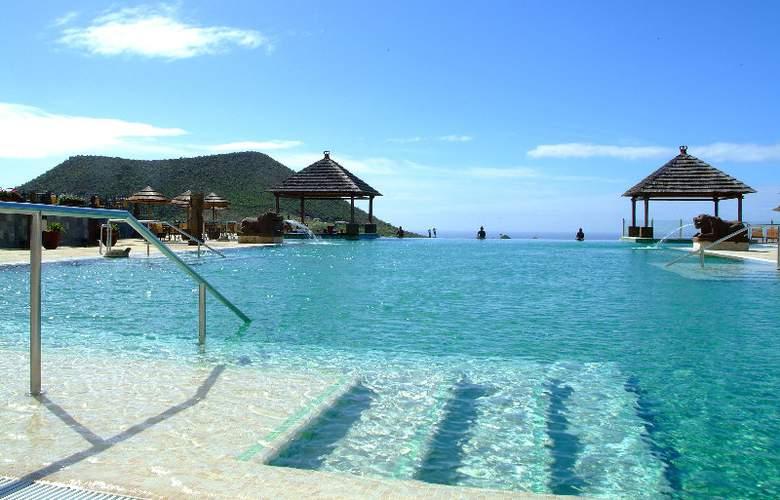 Regency Country Club Apartments Suites - Pool - 11