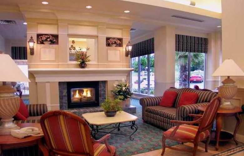 Hilton Garden Inn Redding - Hotel - 10