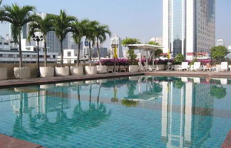 Royal Benja - Pool - 3