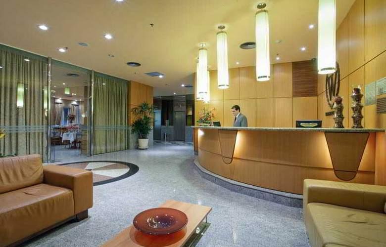 Windsor Asturias - Hotel - 4