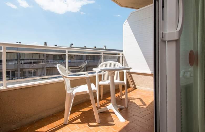 California Apartamentos - Terrace - 3