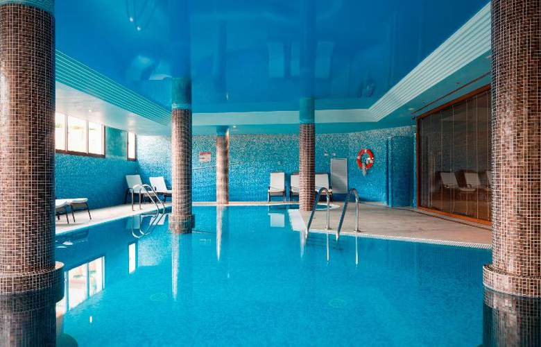Mon Port Hotel Spa - Pool - 100