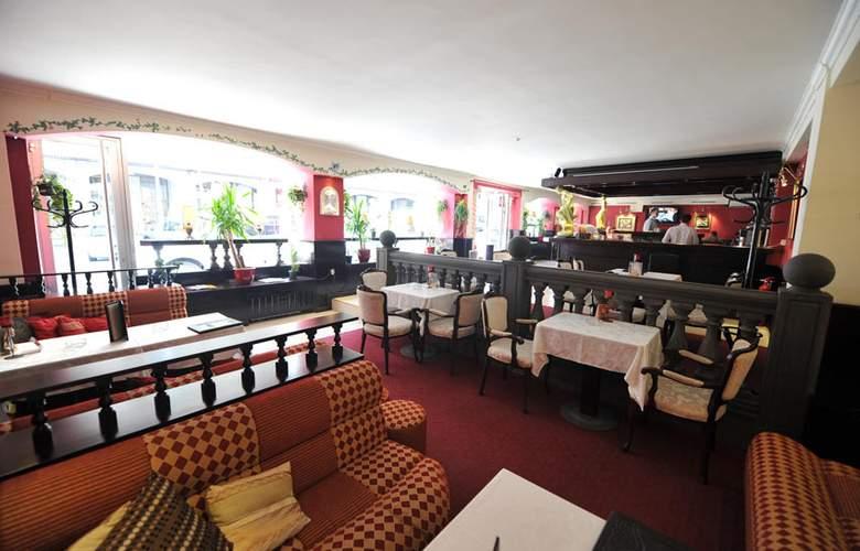 Queens Astoria Design - Restaurant - 2