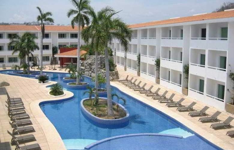 La Isla Huatulco - Pool - 8