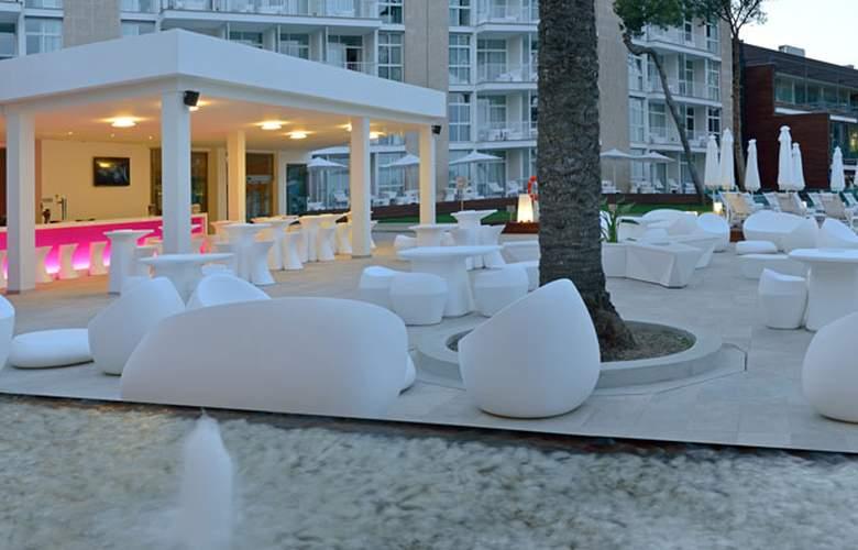 Meliá South Beach - Terrace - 10