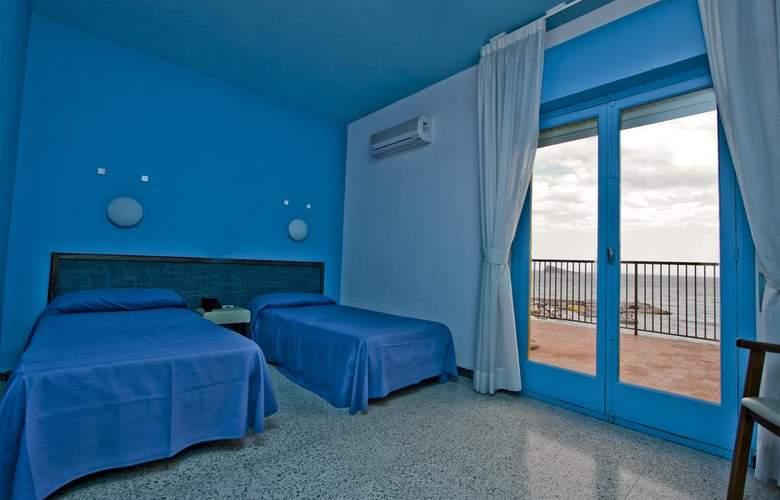 Esmeralda Beach - Room - 10