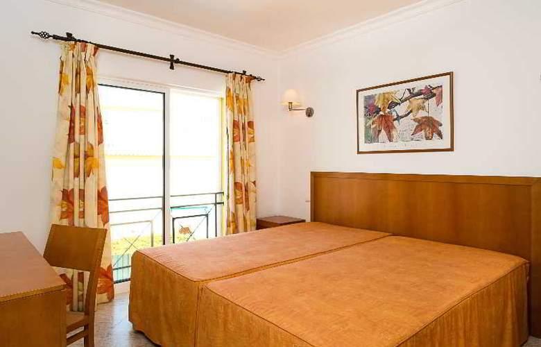 Benvindo Apartamentos - Room - 5