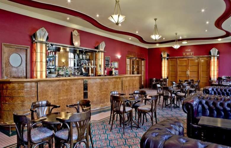 The Tavistock - Bar - 3