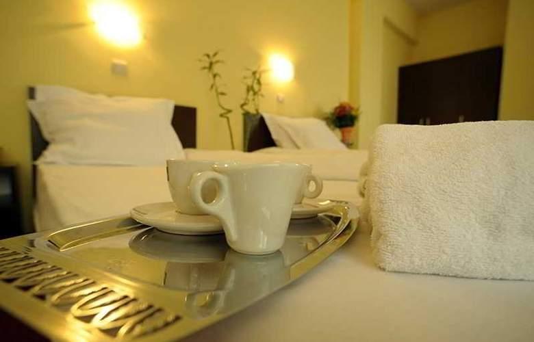 Bon Voyage Hotel Alexander - Room - 11